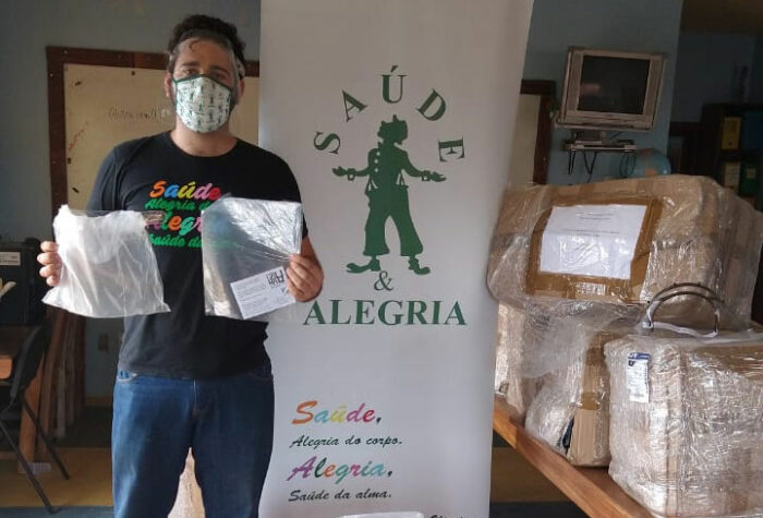 Doação de face shields no Pará e na Bahia